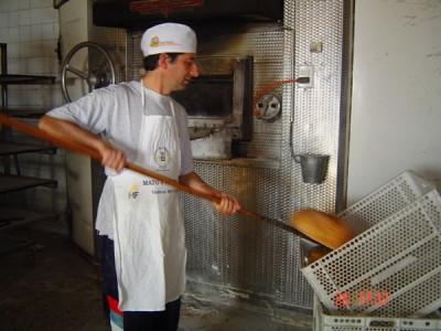 Acuerdan subida de dos centavos en el precio del pan