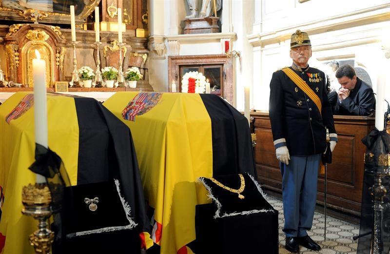 Cientos de personas se despiden en Viena del hijo del último emperador