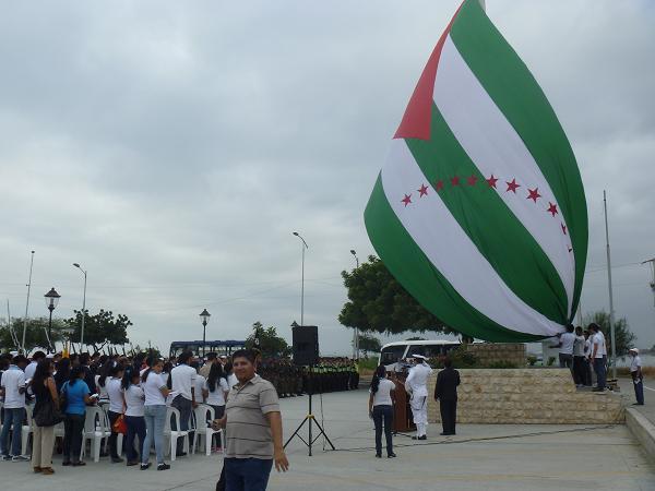La bandera más grande de Manabí