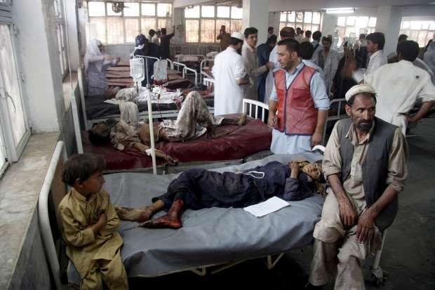 Al menos 45 muertos, 6 de ellos menores, en un atentado terrorista en Pakistán