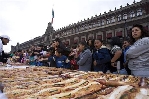 México marca récord Guinnes con su Rosca de Reyes