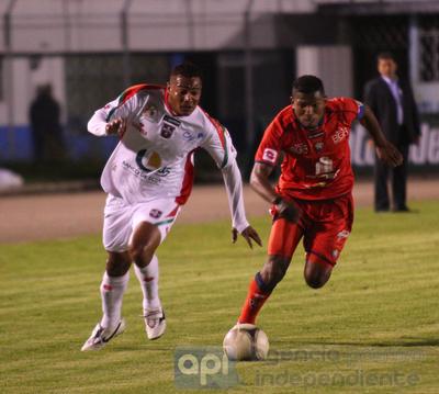 El Nacional empató 2-2 a Liga de Loja