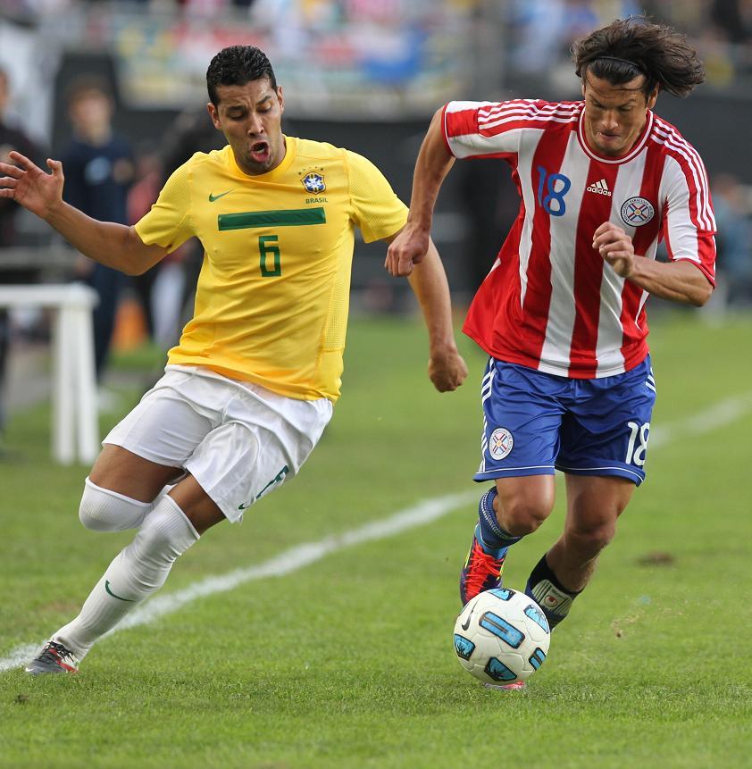 Brasil y Paraguay empatan a cero goles