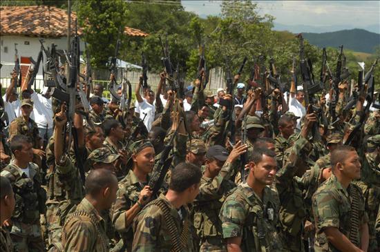 Las FARC dice nombres de tres rehenes que promete serán liberados