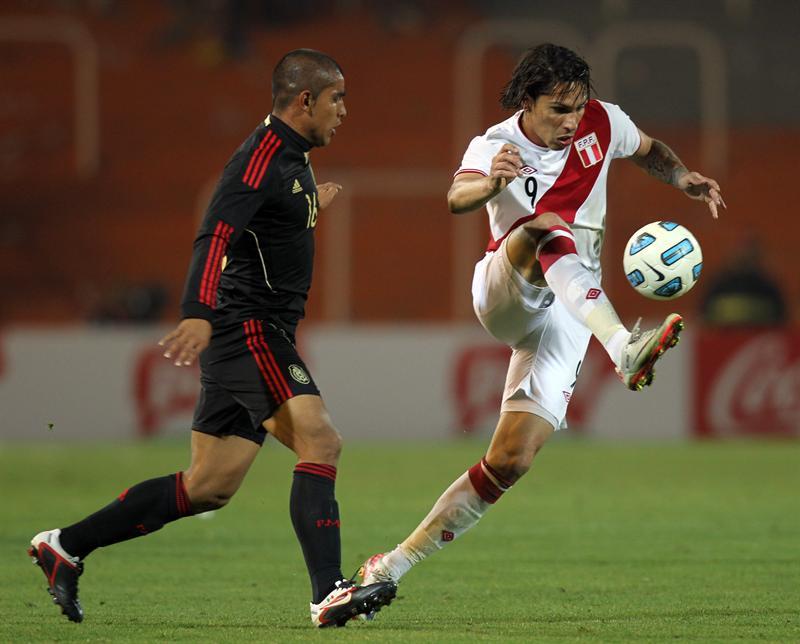1-0. Perú supera a México y queda a un paso de clasificar