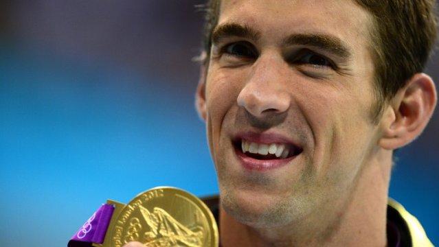 Phelps ilumina con su récord la primera parte de los Juegos
