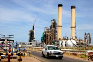 Producción de petroleras estatales aumentó a 11 millones de barriles en diciembre