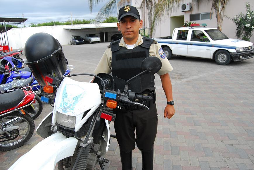 Policías se perderán de disfrutar la Navidad