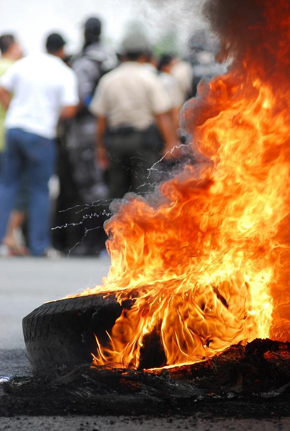 Policías acantonados en Manta investigados por el 30S