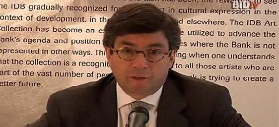 Reeligen como presidente del BID a Luis Alberto Moreno