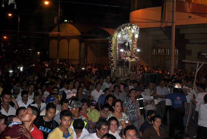 Miles acudieron a la procesión del Señor de la Buena Esperanza