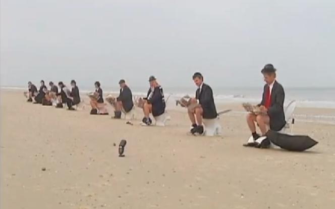Curiosa protesta en una playa australiana