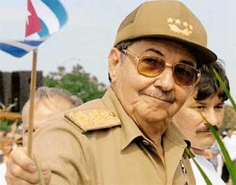 Castro limita los cargos  públicos a 10 años máximo
