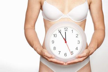 Nueva controversia sobre el reloj biológico femenino