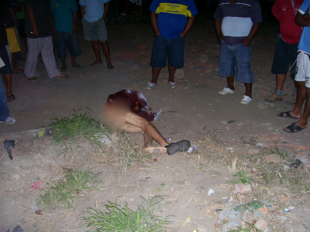 Delincuentes degollaron a taxista en Montecristi