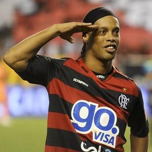 Ronaldinho rescinde su contrato con el Flamengo