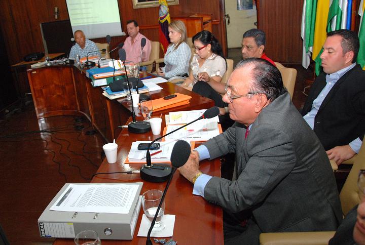 Guillem especula  sobre preferencia de Correa hacia Manta