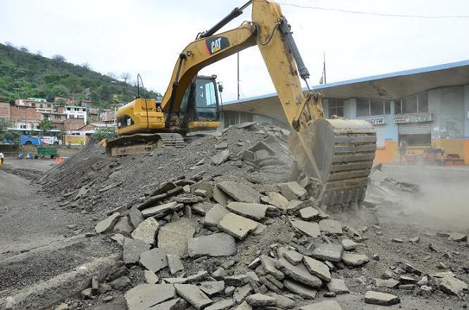 Caos en la terminal terrestre tras inicio de obras