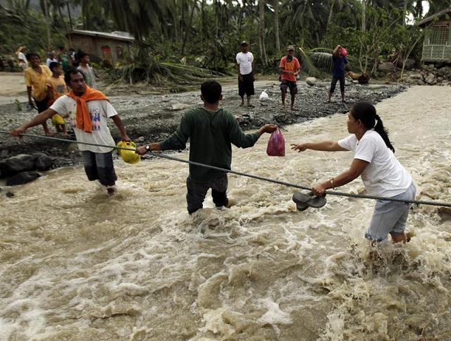 200 muertos deja tifón 'Bopha' en Filipinas
