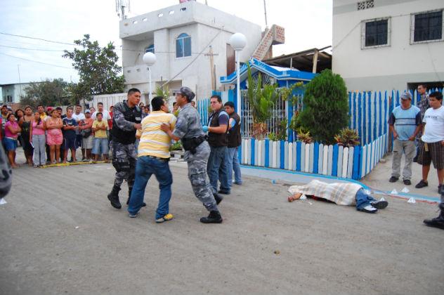 Hombre fue asesinado con 15 disparos en Manta