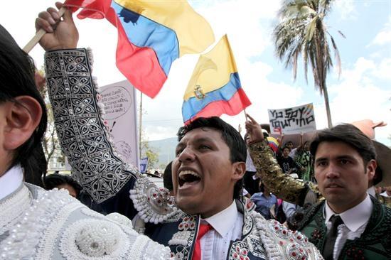 Aficionados taurinos protestan por pregunta en Consulta Popular