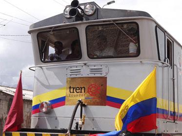 España invierte $2,9 millones en la fabricación de tren turístico para Ecuador