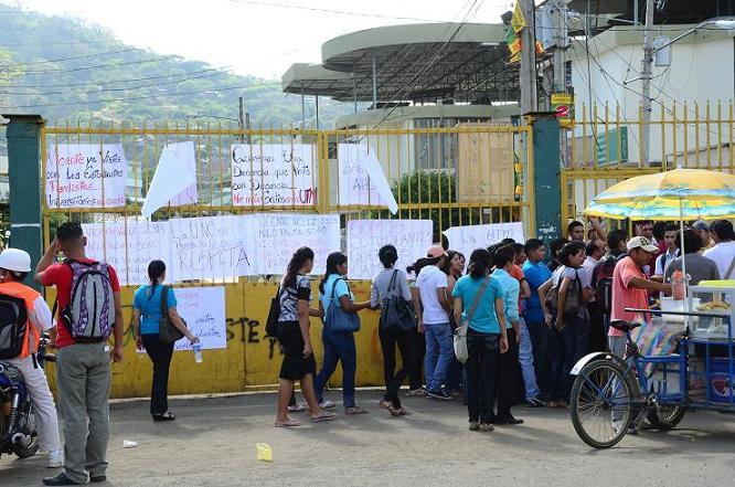 Estudiantes de la UTM rechazan resultados de comicios