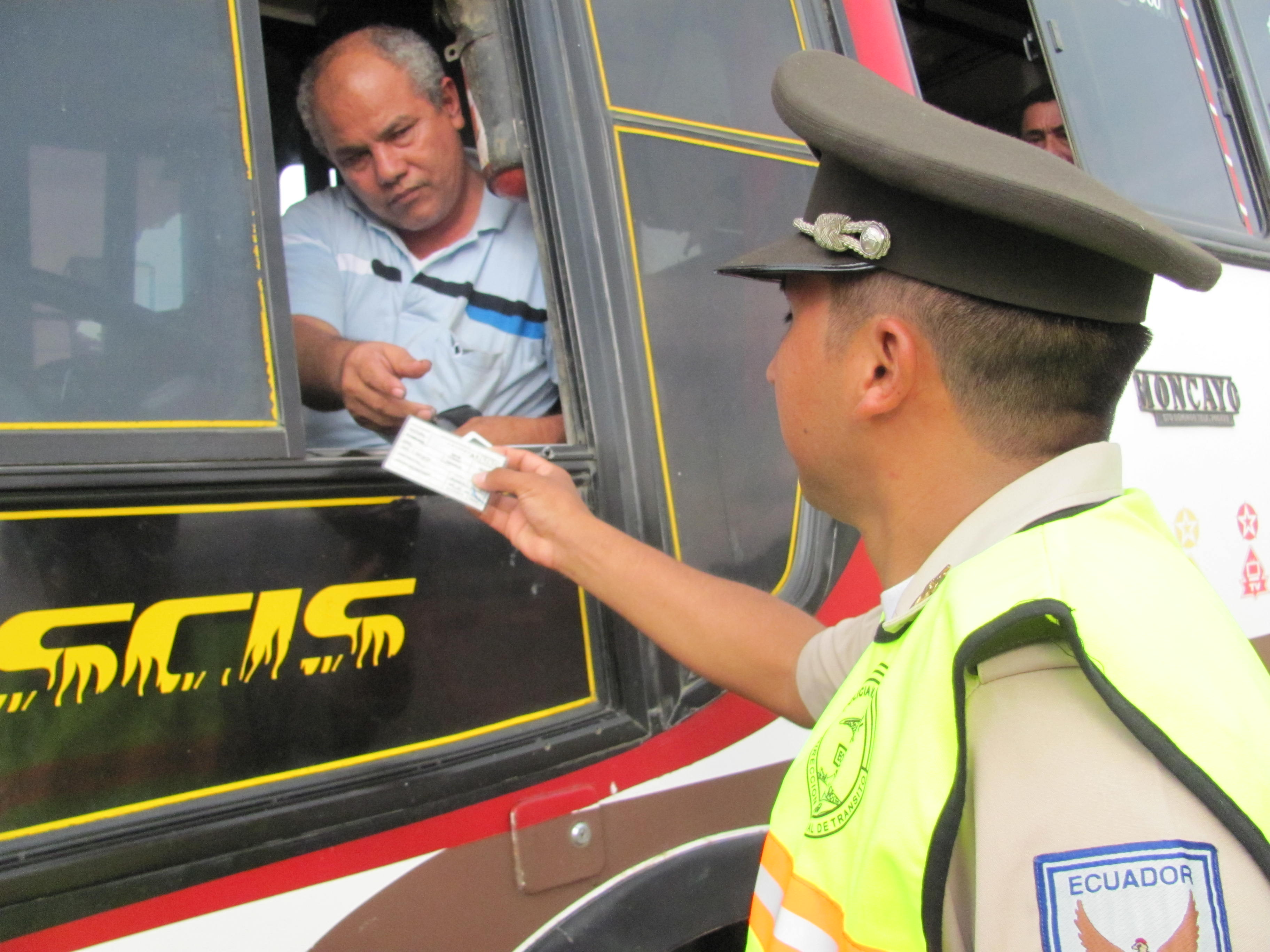 Pocos buses para elevada demanda de pasajeros