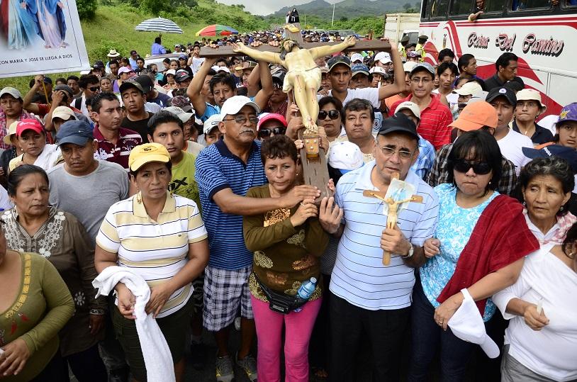 Cientos de personas 'acompañaron' a Jesús hasta Sancán
