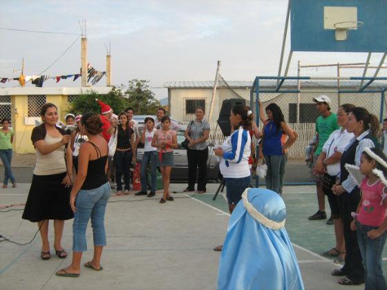 Fiesta navideña llevan  alumnos salazarinos