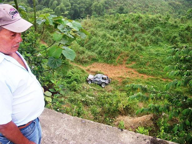 Cinco jóvenes se salvan de morir en accidente