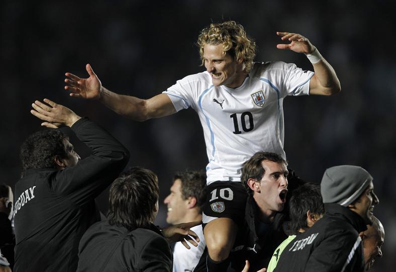 Uruguay elimina en penales a Argentina