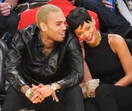Chris Brown engaña a Rihanna con una camarera, según diario