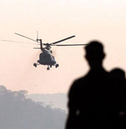 Mueren 13 personas al caer helicóptero en selva de Perú