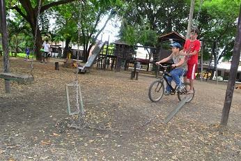 Ciudadanos piden mejoras en el parque El Mamey
