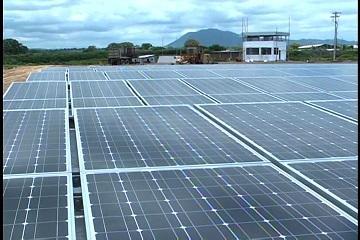 Inauguran granja solar ENERSOL