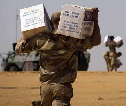 Francia inicia retiro de tropas de Mali