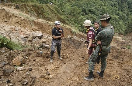 Suspenden búsqueda de 5 mineros desaparecidos en Zamora