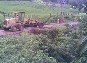 Mejoran las vías de la zona rural