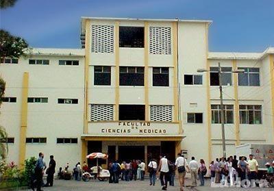 La universidad de Guayaquil fue multada