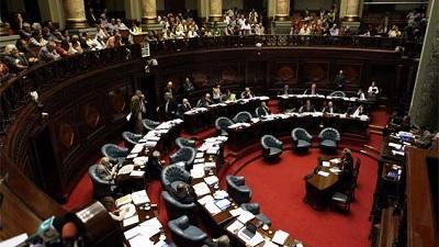 Uruguay aprobó legalización del matrimonio gay