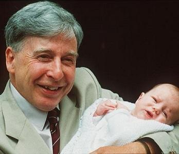 Muere el Nobel Robert Edwards, pionero de la fecundación in vitro