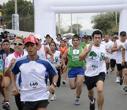 Realizan maratón de 8 kilómetros