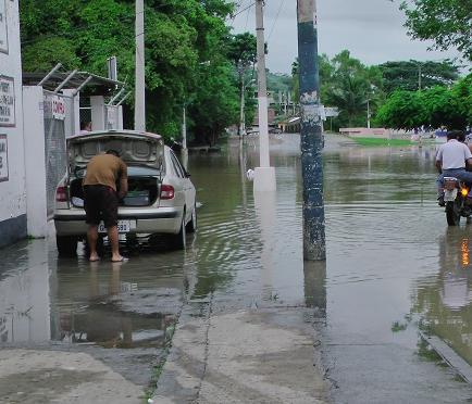 Creciente del río sorprendió a Portoviejo en medio de la noche