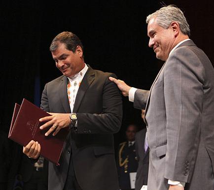 Correa y Glas con credenciales