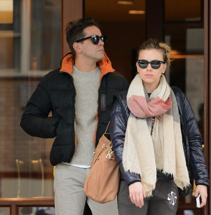 Scarlett Johansson sale con periodista