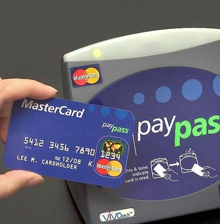 Unión europea investiga tarifas de mastercard