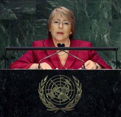 Bachelet apuesta por nueva Constitución y quiere que a Bolivia 'le vaya bien'