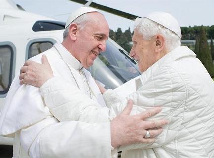 Desmiente que Benedicto XVI esté gravemente enfermo