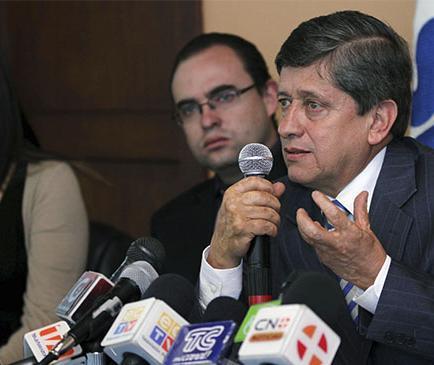 Carrasco dice que Noboa tiene más deudas con SRI